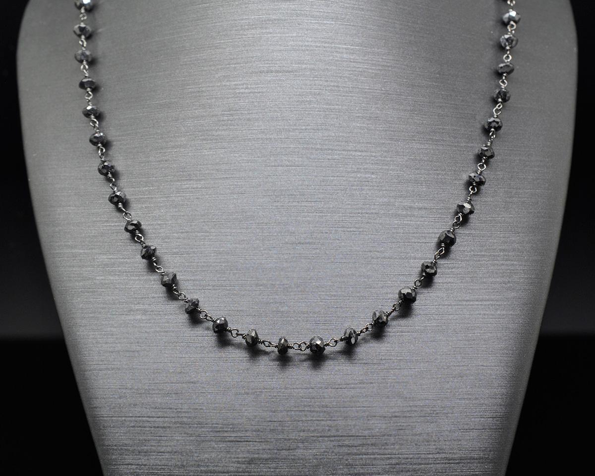design senza tempo b502a 07f39 Collezione Pietre Oro Nero 18kt Collana Diamanti Neri