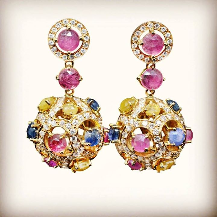 Multicolors sapphires....