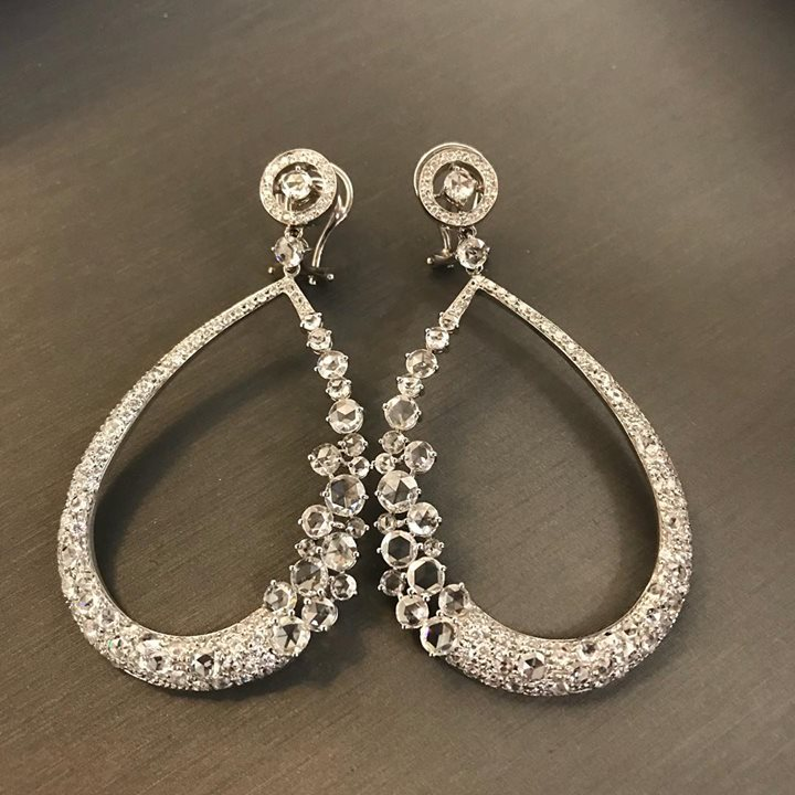 falling in love with this pair of earrings💎💎💎